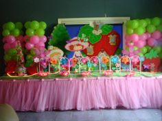 strawberry shortcake birthday party table decorations