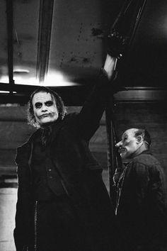 "Christopher Nolan on why he cast Heath Ledger as The Joker, ""Because he is fearless. Der Joker, Joker Und Harley Quinn, Heath Ledger Joker, Joker Art, Joker Dark Knight, The Dark Knight Trilogy, Charlie Chaplin, Kings & Queens, The Man Who Laughs"