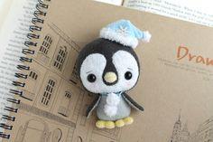 Etsy の PDF Pattern  Felt Penguin Nogget Plush by typingwithtea