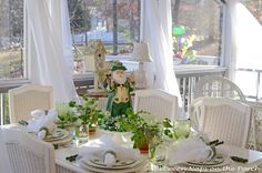 Pretty St. Patrck's Day tabletop.