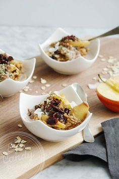 Warm oatmeal, apple and almond butter breakfast (vegan). Simple and fast!