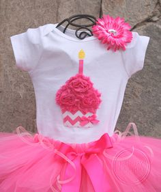 Hey, I found this really awesome Etsy listing at http://www.etsy.com/listing/112922762/pink-chevron-birthday-girl-cupcake