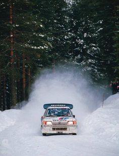 Juha Kankkunen Peugeot 205 t16 gr.B