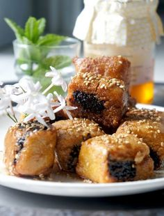 recette faciles des makrouds aux dattes Plats Ramadan, Dessert Recipes, Desserts, Finger Foods, Biscuits, French Toast, Blog, Food And Drink, Rolls