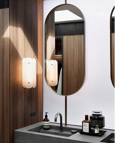 Bathroom Mirror Inspiration, Bathroom Inspo, Bathroom Ideas, Toilet And Bathroom Design, Bar Areas, Metal Finishes, Washroom, Glass House, Powder Room
