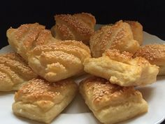 Biscuits, French Toast, Bakery, Food And Drink, Sweets, Bread, Snacks, Cookies, Breakfast