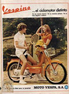 Photo by juliokio Vespa Lambretta, Vespa Scooters, Vintage Ads, Vintage Posters, Motos Vespa, Small Motorcycles, Vespa Girl, Old Commercials, Retro Images
