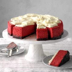 Festive and oh so good, this cheesecake will become a fixture on your Christmas dessert menu. The red velvet filling is spiked with cocoa, topped with cream cheese frosting and baked in a chocolate cookie crumb crust. Red Velvet Cheesecake Cupcakes, Mint Chocolate Cheesecake, Velvet Cake, Cranberry Cheesecake, Cheesecake Recipes, Dessert Recipes, Cookie Recipes, Desserts Menu, Oreo Cheesecake