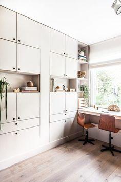 44 Ideas Home Design Studio Closet Home Bar Sets, Bars For Home, Home Office, Home Studio Desk, Project R, Minimalist Dining Room, Home Bar Furniture, Avenue Design, Small Room Design