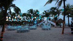 Amazing Wedding nigth! We enjoyed a rain of chinesse lanterns over the tables. #LoveMemories #Weddings  #Decor #Flowers #Design