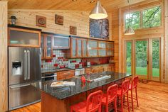 Red Backsplash Design Ideas, Pictures, Remodel and Decor silver and red backsplash Warm Kitchen, Rustic Kitchen, Red Kitchen, Wooden Kitchen, Cabin Kitchens, Cool Kitchens, Dream Kitchens, Kitchen Designs Photos, Kitchen Photos
