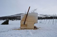 A cross-disciplinary mix of environmental art, architecture, sociology and survival, The students were given a task to make a personal nomad shelter and collectively to build a movable Nomad Sauna on skies and an Aurora Observatory.