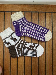 Sokker Socks, Knitting, Fashion, Stockings, Moda, Tricot, Fashion Styles, Sock, Stricken