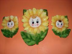 happy daisy vintage wall pockets