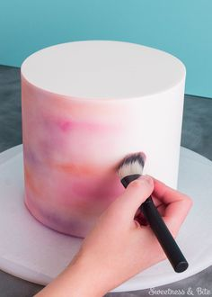 Watercolour cake tutorial (via Sweetness & Bite).
