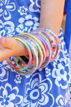 """How to make """"Totally Tubular"""" Glitter Bracelets -- do you remember these?? Make them with the kids. From @Babble Dabble Do"""