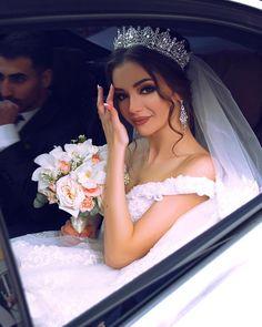 Bridal Makeup, Wedding Makeup, Dream Wedding Dresses, Bridal Dresses, Braut Make-up, Wedding Goals, Princess Wedding, Bridal Looks, Beautiful Bride