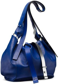 Stuart Weitzman THE TWIST HOBO MEDIUM. This slouchy 5b2c3573a0d8c