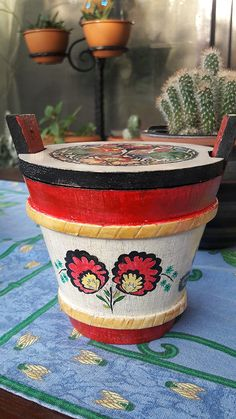 Oilpainted wooden bucket. 10 cm. #oilpaint #handpainted #wooden #wood #bucket #flowers #chatbirdy