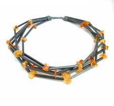 Galerie Orfèo - Galerie d' Art - Luxembourg Jewelry Crafts, Jewelry Art, Jewelry Design, Lapis Lazuli, Glass Jewelry, Gemstone Jewelry, Art Necklaces, Topas, Ethnic Jewelry