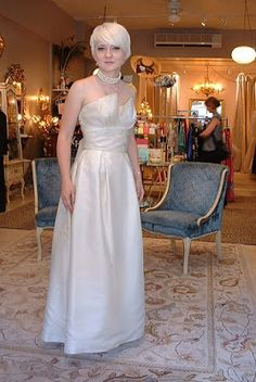 The wedding dress for older women is not always ber fixed model, but following the trend as other clothing. Here are some dresses that will be the trend in 2016. Forget piece ball gown without deta…