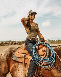 Cute Cowgirl Outfits, Country Style Outfits, Southern Outfits, Rodeo Outfits, Country Girl Style, Western Outfits, Cute Outfits, Hot Country Girls, Country Women