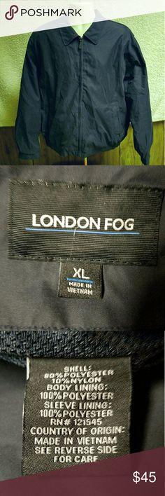 "Men's jacket Men's X-large navy blue London Fog Jacket. 3 pockets in mesh lining and 2 exterior pockets zip closure  arm pit to arm pit 27"" shoulder to hem  25"" London Fog Jackets & Coats Lightweight & Shirt Jackets"