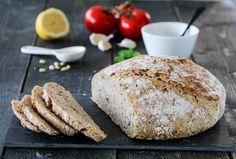 Eltefritt landbrød med basilikumpesto Dairy Free, Gluten, Dessert, Baking, Recipes, Food Cakes, Rezepte, Bread Making, No Dairy