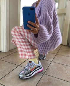 movie date outfit Fashion Killa, Look Fashion, 90s Fashion, Winter Fashion, Fashion Outfits, Womens Fashion, Socks Outfit, Girls Twitter, Winter Mode