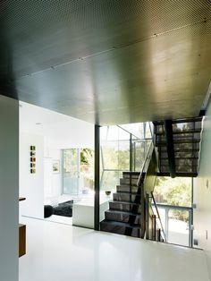 Striking Details Interior Flip House Modern Staircase Design