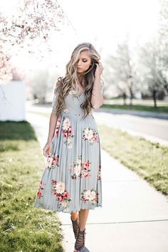 jessakae, casual wear, blonde, blonde hair, hair, style, fashion, street style, womens fashion, spring, floral, easter, easter dress, floral dress