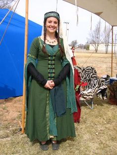 Very beautiful middle-eastern garb.