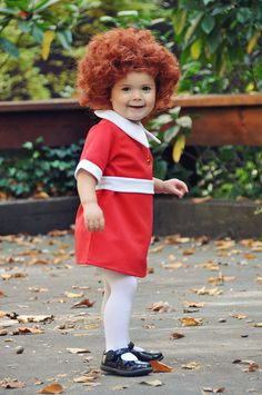 Little Orphan Annie Halloween costume **Absolutely the first costume my child is wearing when she is old enough!**