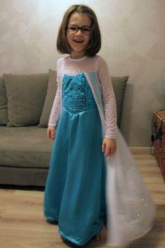 deguisement elsa reine des neiges (7) Kids Dress Up, Elsa Frozen, Little Dresses, Happy Kids, Amanda, Costumes, Formal Dresses, Fashion, Carnival