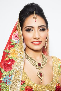 This stunning Indian wedding look combines traditional Indian concepts with modern American beauty trends. Learn how to re-create this makeup with this step-by-step DIY.