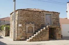 Casa típica de Trás-os-Montes / Traditional house - Cardanha, Trás-os-Montes, Portugal