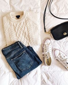4 easy fall outfits: j.crew cable knit fisherman sweater, frame denim skinny jeans, white converse sneakers, coach crossbody bag