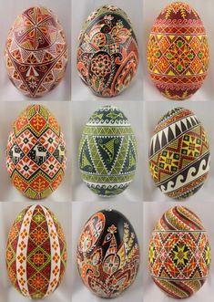 Pysanka art, Ukraine, ♥ , from Iryna Ukrainian Christmas, Ukrainian Easter Eggs, Diy Craft Projects, Diy Crafts, Egg Mug, Polish Easter, Easter Egg Pattern, Easter Egg Designs, Easter Egg Crafts