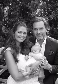 New photo posted on Madeleine's official Facebook of herself, Chris and little Leonore