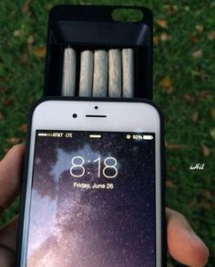 iHit Joint Storage iPhone Case | Community Post: 16 Perfect Gifts To Give Your Stoner Bestie On 4/20