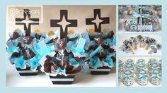 Centros de mesa y recuerditos para bautizo en tonos azules, blanco y chocolate