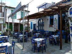 Restaurant in Vourliotes  | by capreolus