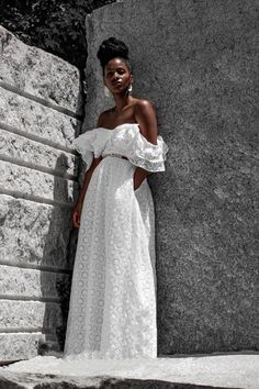 A few summer dresses to get you through the rest of the summer. Best part, they are under $100 Beautiful Summer Dresses, Pretty Dresses, Feminine Style, Feminine Fashion, How To Make Skirt, Poses, Black Girl Fashion, Classy Outfits, Rest