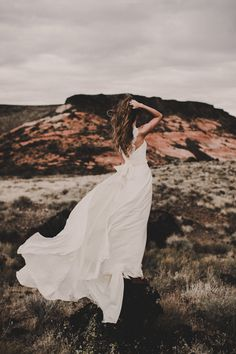 Cool modern wedding dress - the Jade gown by Chantel Lauren Flowing Wedding Dresses, Indie Wedding Dress, 2016 Wedding Dresses, Custom Wedding Dress, Bohemian Wedding Dresses, Colored Wedding Dresses, Designer Wedding Dresses, Wedding Gowns, Nicole Miller Bridal