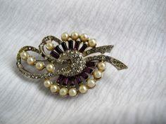 Purple rhinestone and faux pearl brooch / vintage rhinestone brooch / Art deco brooch - pinned by pin4etsy.com