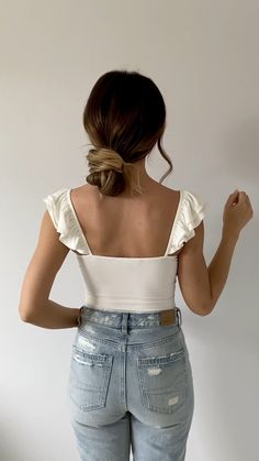 Easy Low Messy Bun Tutorial with Luxy Hair Extensions – bun hairstyles for long hair Messy Bun Hairstyles, Easy Hairstyles For Long Hair, Gray Hairstyles, Hairstyles Videos, Hairstyles For Working Out, Hair Extension Hairstyles, Messy Hair Buns, Wavy Hair, Cute School Hairstyles