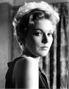 Kim Novak's short and ultra-feminine do from Middle of the Night (1959).
