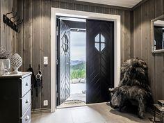 Diys Room Decor, Diy Home Decor, Decor Ideas, Mountain Cottage, Basement Inspiration, Apartment Goals, Floating, Cottage Interiors, House Goals