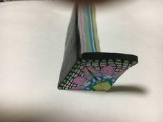ポリマークレイの技法で 模様を作りました。 三角形の模様が繋がります。