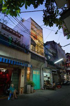 façade illuminée - Maison Saigon par a21studio - Vietnam